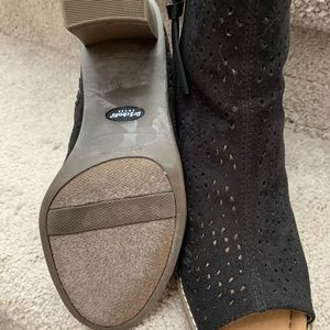 Dr. Scholl's Shoes - Dr. Scholls, black people toe bootie.